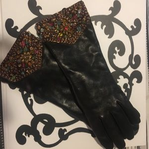 Vintage women's mid length leather gloves